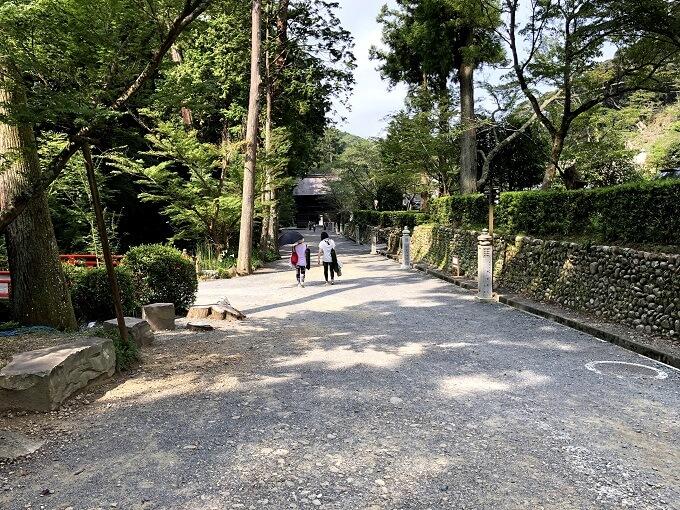 尊延寺の参道